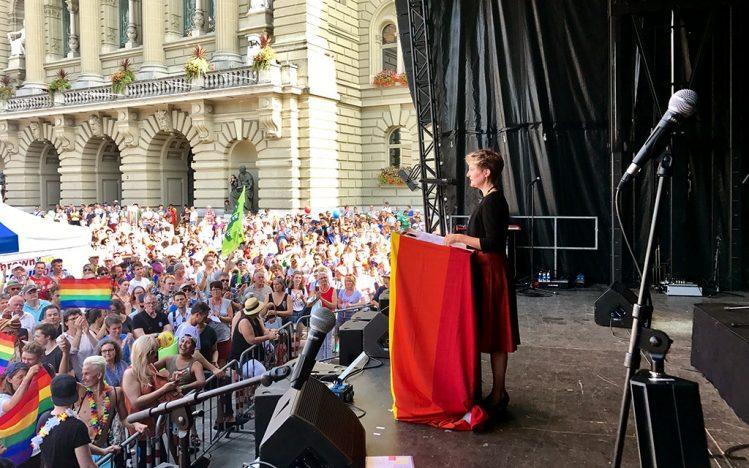 Bundesrätin Simonetta Sommaruga an der Pride Ouest 2017