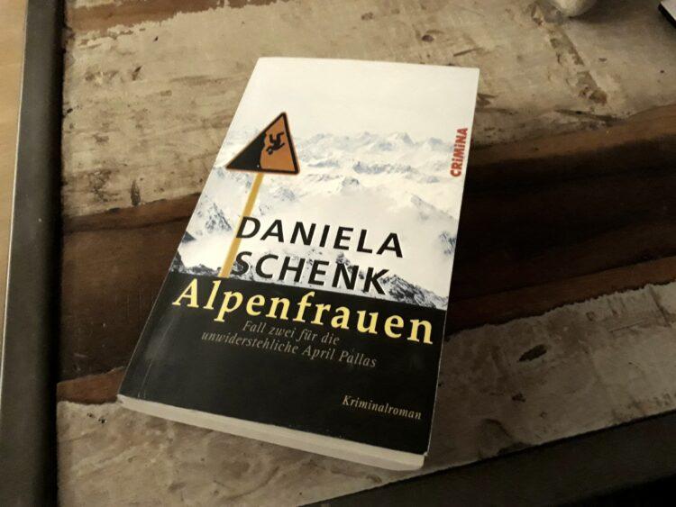 Alpenfrauen Buchcover Rezension
